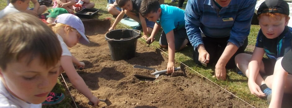 CL castle dig young volunteers in Trench 2